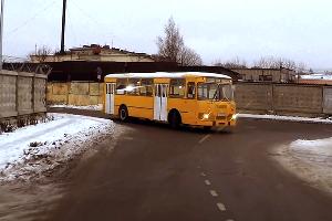 ЛиАЗ-667 ©Скриншот с канала SsVMedia на YouTube