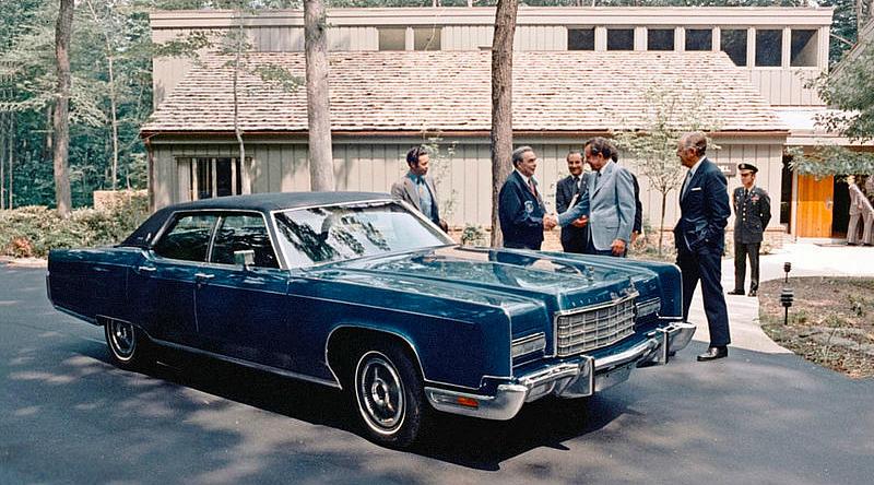 Брежнев, Никсон и Lincoln Contonental
