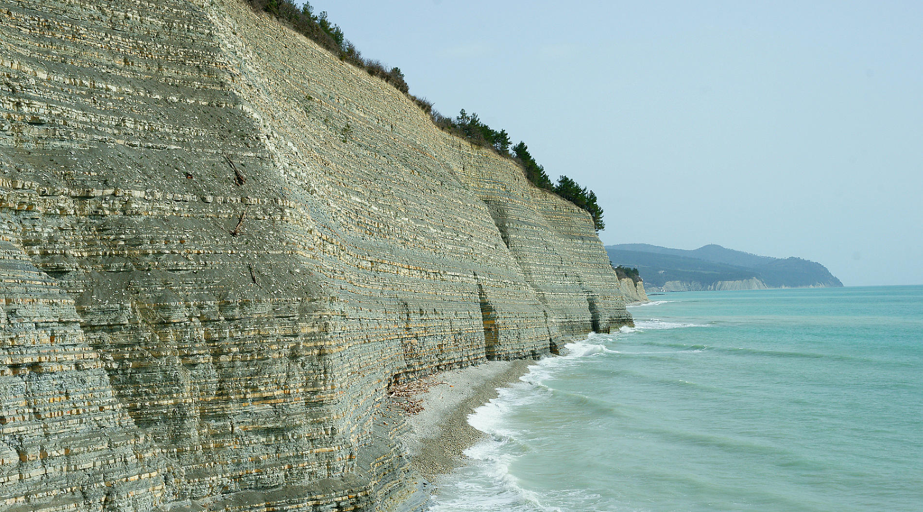 Черное море в районе пляжа Сосновка, Геленджик