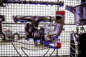 Части мотора 1,8 TD ©Фото Евгения Мельченко, Юга.ру