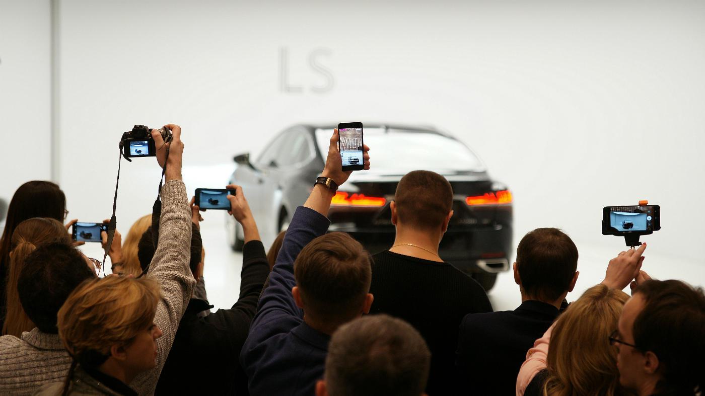 Ажиотаж на презентации нового Lexus LS был велик без преувеличения