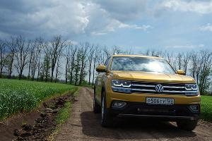 Новый VW Teramont ©Фото Евгения Мельченко, Юга.ру