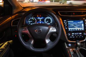 Салон Nissan Murano ©Фото Евгения Мельченко, Юга.ру