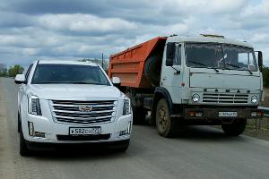 Cadillac Escalade (от 4 990 000 руб.) ©Фото Евгения Мельченко, Юга.ру