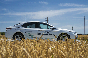 Новая Toyota Camry ©Фото Евгения Мельченко, Юга.ру