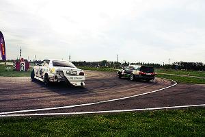 """Чемпионат по дрифту """"Drift Battle Series 2015"""". Первый этап в Усть-Лабинске ©Фото ЮГА.ру"""