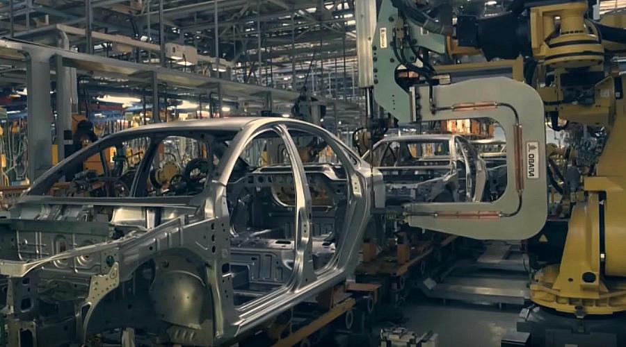 ©Скриншот видео канала LADA Ижевский автомобильный завод на YouTube