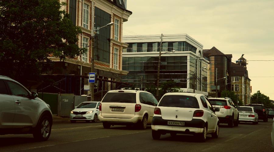 Дороги города Краснодара ©Фото Евгения Мельченко, Юга.ру