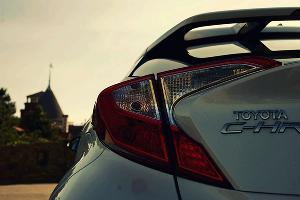 Новый кроссовер. Toyota C-HR ©Фото Евгения Мельченко, Юга.ру