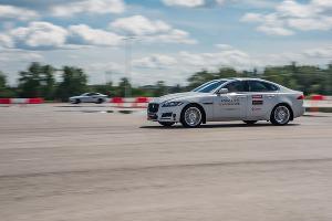 Компания Continental представила и испытала новую шину SportContact 6 ©Фото ЮГА.ру