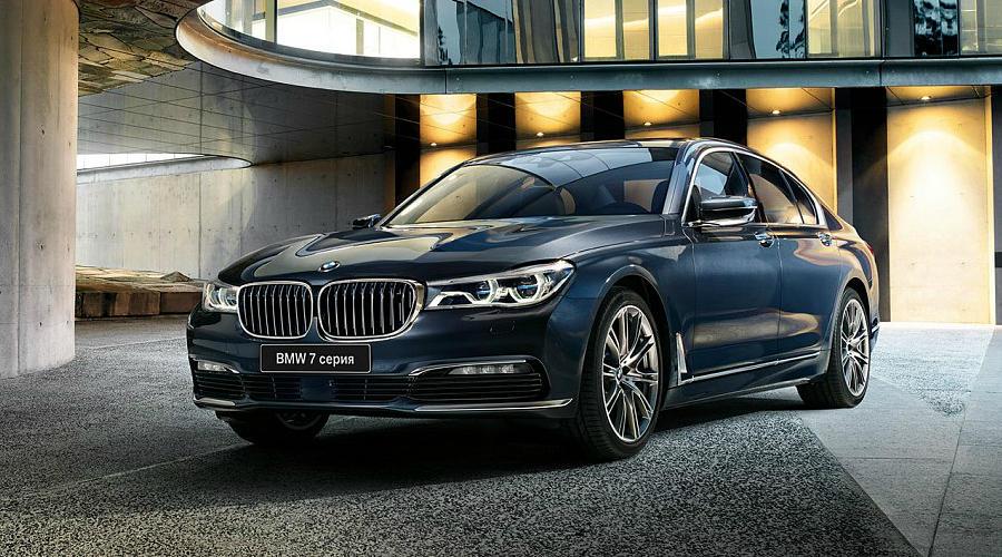 Новый седан 7-Series, стоимость которого сейчас начинается от 4млн 540тыс. рублей за версию 730i