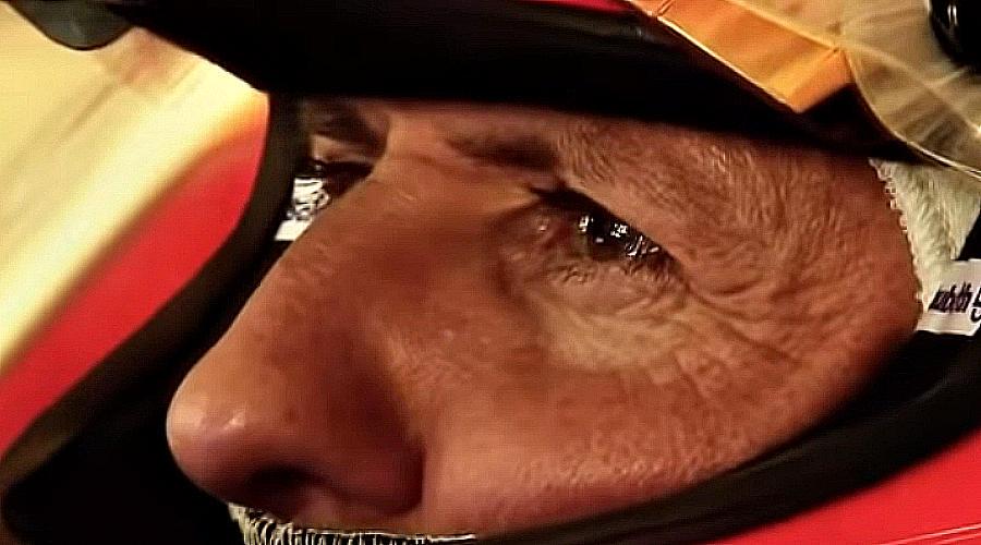 Михаэль пришел в «Мерседес» в 41 год не гоняться, а помогать строить команду чемпионов. И, как показали титулы Хэмилтона и Росберга, это ему удалось