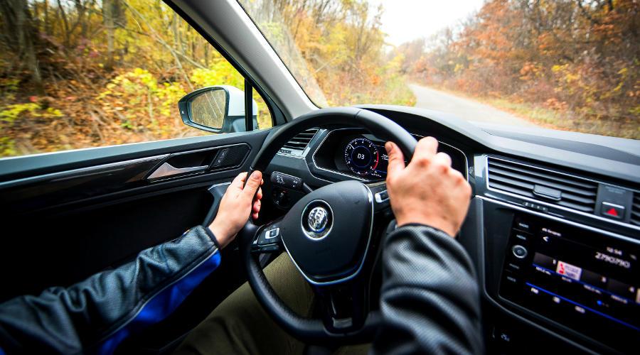 За рулем автомобиля ©Фото Евгения Мельченко, Юга.ру