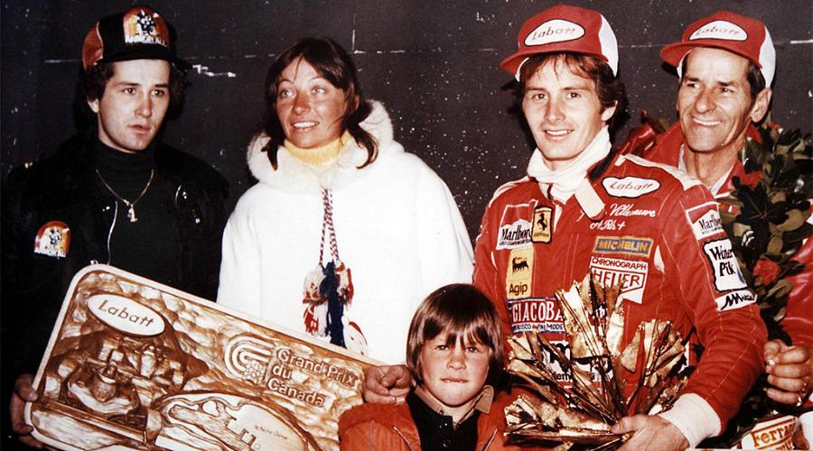 Жак с отцом, одним из лучших пилотов Формулы-1 Жилем Вильневым, погибшим в 1982 году
