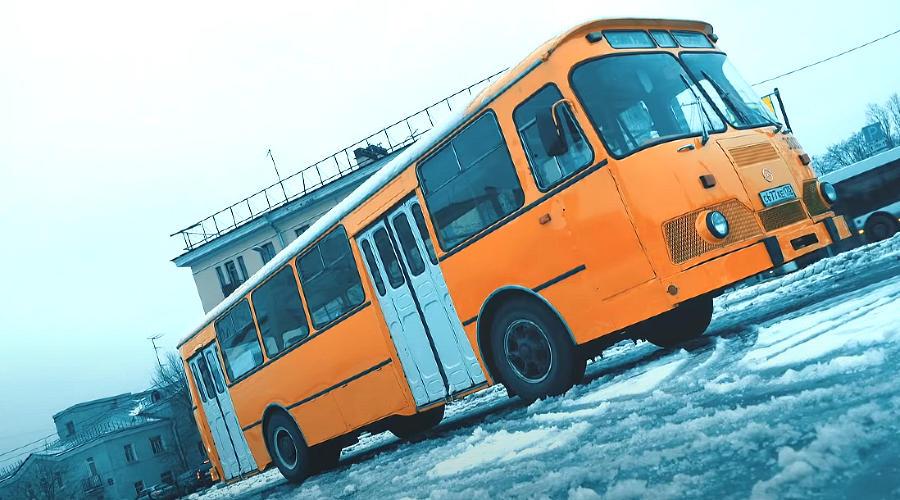 ЛиАЗ-667 ©Скриншот с канала Trucks TV на YouTube